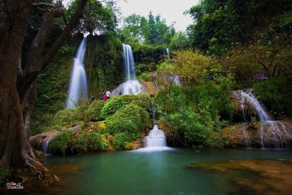 Toàn cảnh vẻ đẹp của thác Dải Yếm. Ảnh: Đoàn Tiến/Vnexpress.net