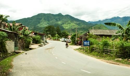 Tú Lệ - một địa điểm nên dừng chân nghỉ trên đường từ Hà Nội đi Mù Cang Chải. Ảnh: Minh Đức.