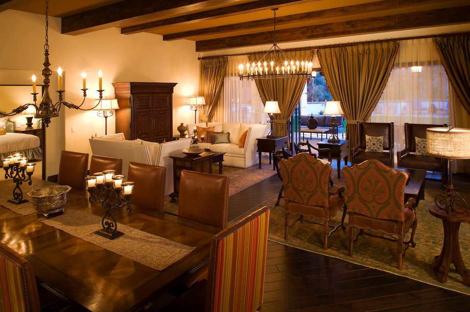 Chi phí cho một đêm là 5.000 USD, nếu tính cả thuế lên đến 6.000 USD. Đương nhiên, khách hàng sẽ phải trả thêm nếu số lượng người nghỉ ngơi tại căn phòng khổng lồ này vượt quá hai người.