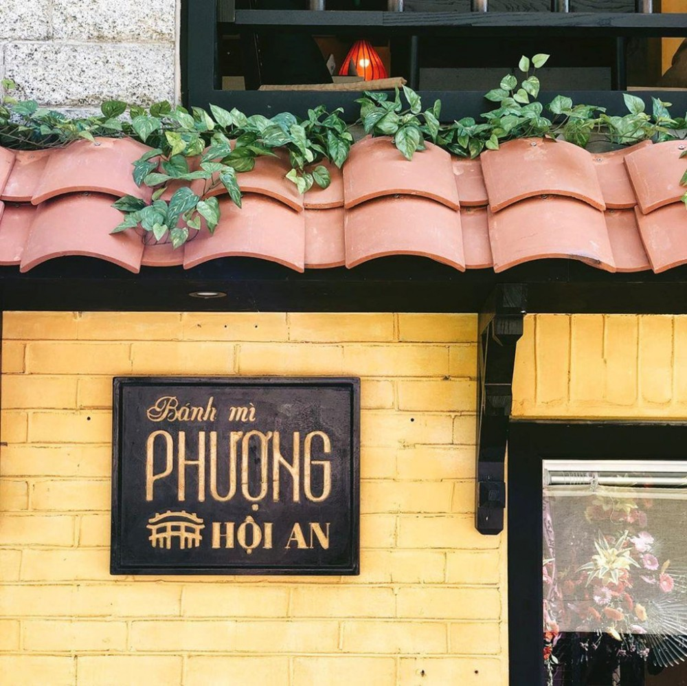 Nguoi Han Quoc thich thu check-in quan banh mi Phuong o Seoul hinh anh 13