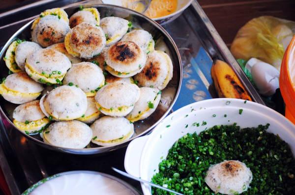 Bánh căn là món ăn dân dã, quen thuộc của người dân Ninh Thuận. Ảnh: phanrangqueminh.blogspot.com