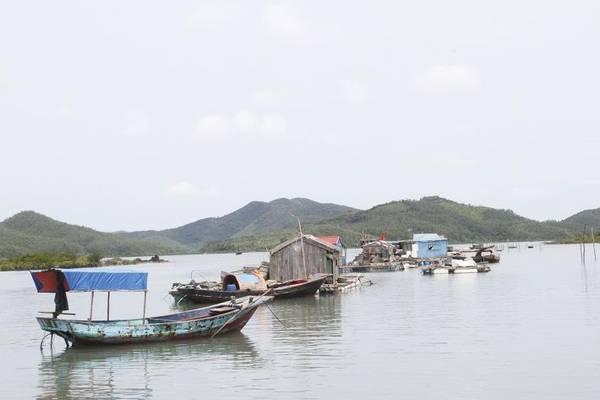 Khác với không khí nhộn nhịp của các hòn đảo nổi tiếng khác của Quảng Ninh, đảo Ngọc Vừng lại sở hữu một khung cảnh bình yên hiếm có. Ảnh: ST