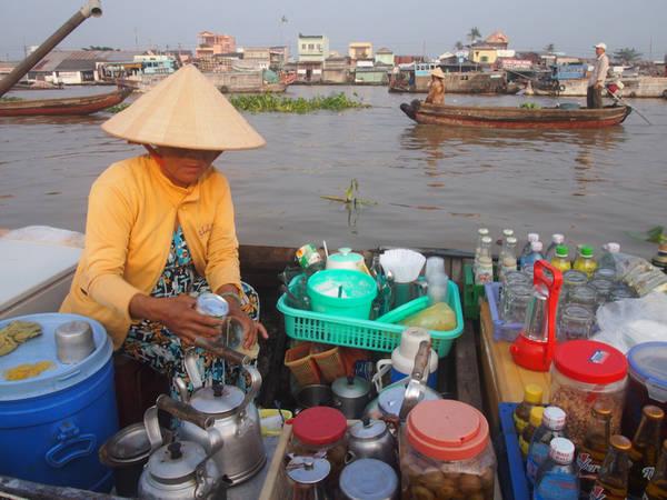 Du-lich-Can-Tho-trai-nghiem-dac-san-cho-noi-Cai-Rang-vethamquan-3