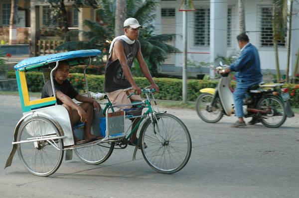 Xe xích lô ở Philippines. Ảnh: my_sarisari_store.typepad.com