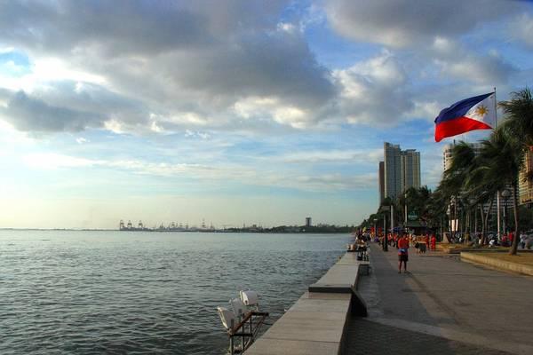 Vịnh Manila. Ảnh: public.fotki.com