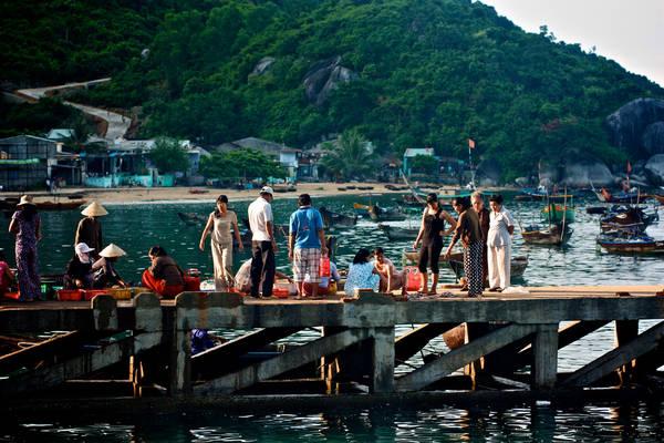 Chợ sớm trên đảo. Ảnh:Duyanh Phạm